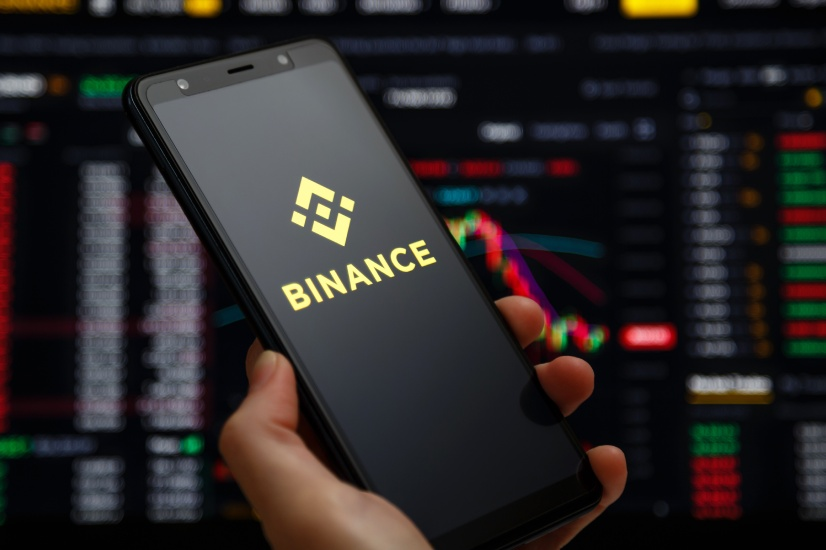 Binance ditches crypto derivatives as regulation looms