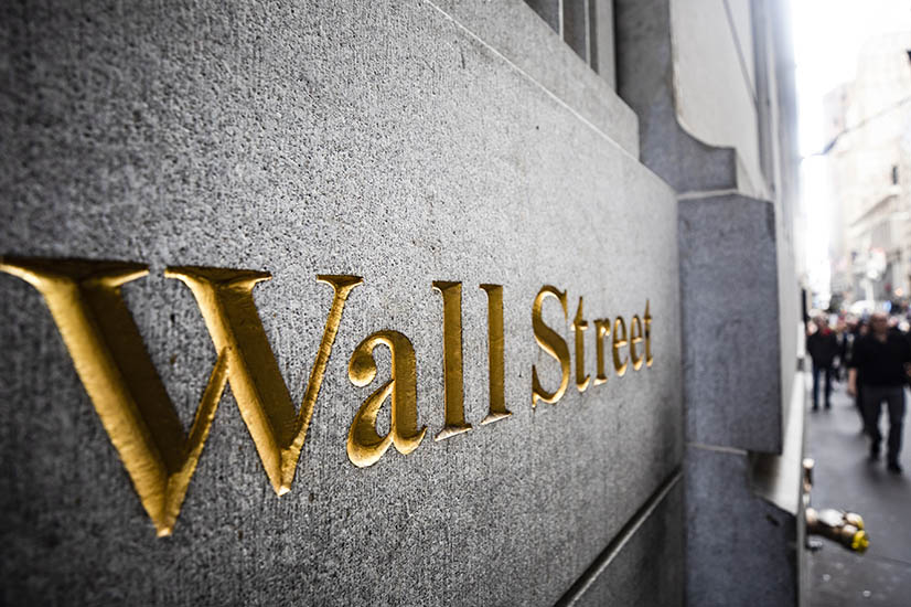 Amateur investors take on Wall Street