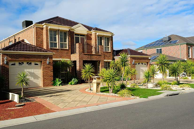Aussies build biggest homes in the world