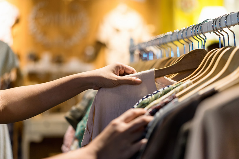Tips for buying clothes without destroying your budget