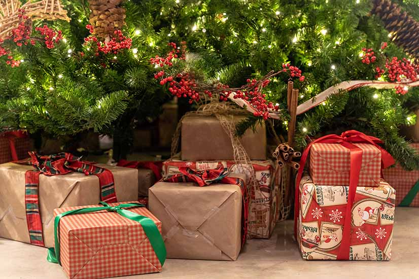 Why you should give the gift of investing this Christmas