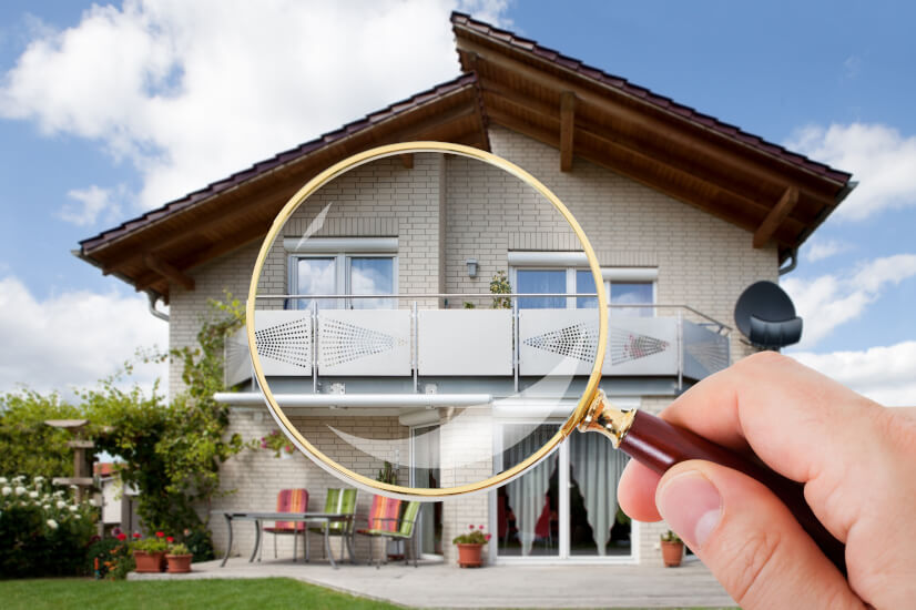 House, magnifying glass