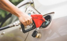 Aussies paying too much at the pump