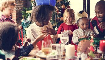 Aussies tipped to spend $52bn this Christmas